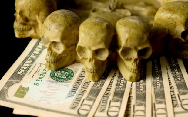 USD notes and skull