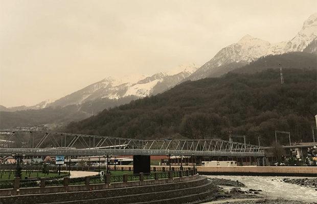 снег жёлтого цвета_4
