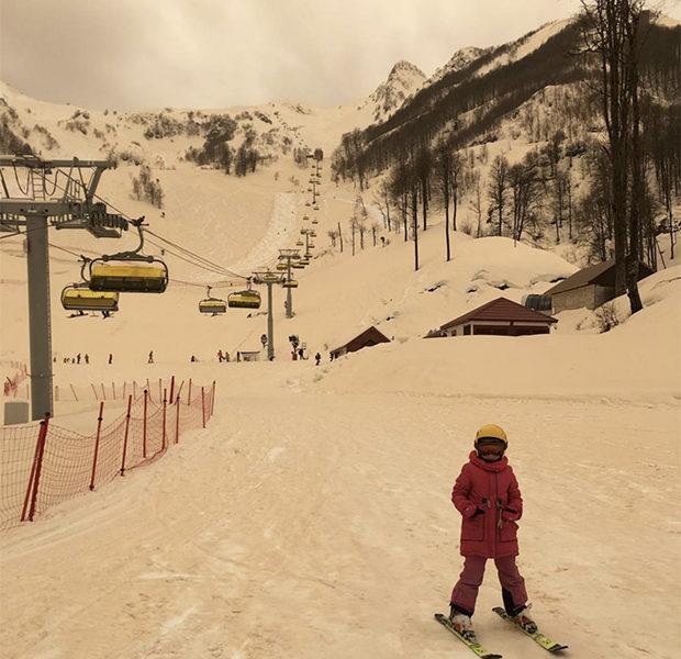 снег жёлтого цвета_5