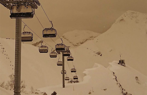 снег жёлтого цвета_6