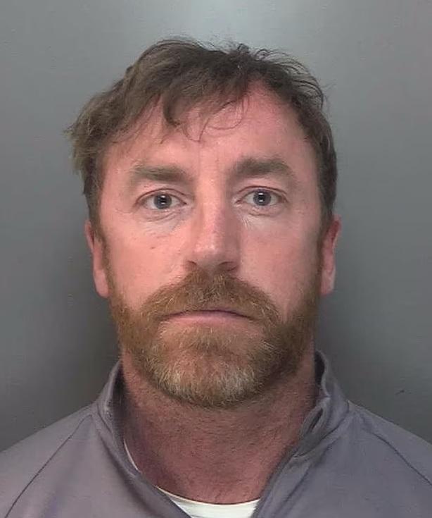 Полиция посмотрела на это фото с куском сыра и сразу поймала преступника, ему дали 13 лет — и дело даже не в сыре Разное,полиция,сыр,фото