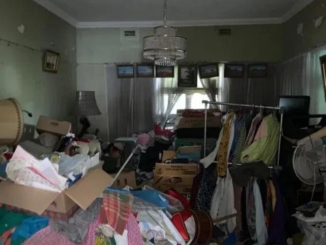 Этот особняк похож на свалку, но новые владельцы неспроста купили его за 134 млн Разное,дом